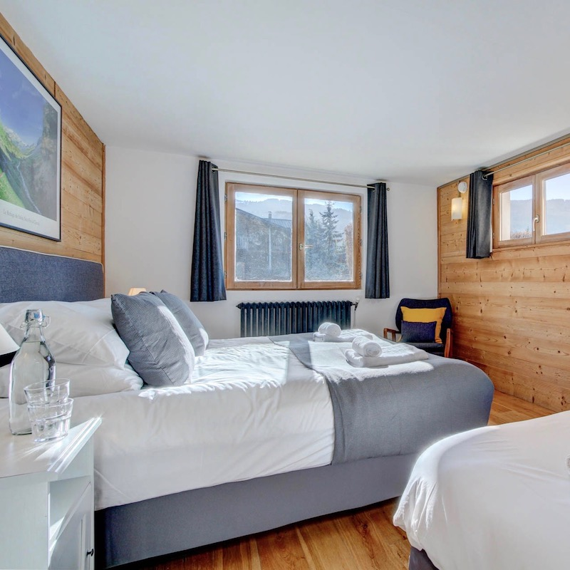 Ski holiday accommodation Grand Massif Chalet Mautalent bedroom